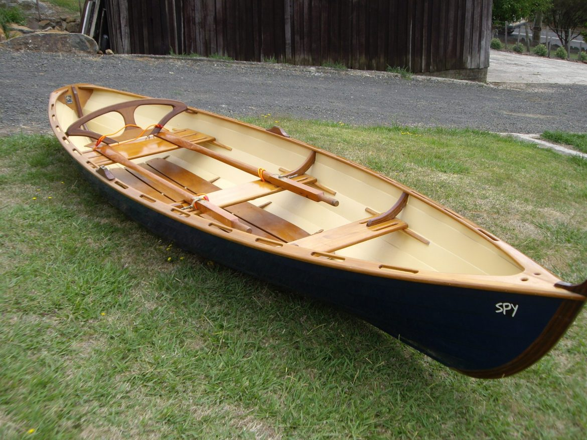 16 foot Thames rowing skiff, 'SPY' 004